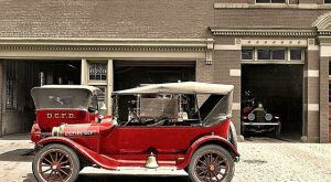 27 Fantastic Colorized Photos of Classic American Automobiles of the 1910s and 1920s