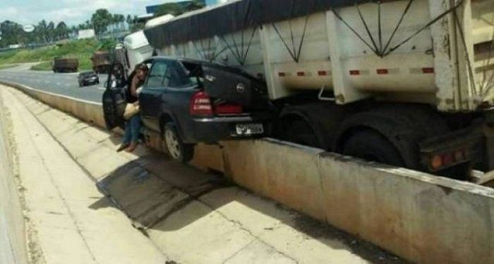 Best Car Fails That Will Make You Cringe (55 Photos) – Wackyy