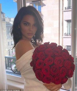 Kendall Jenner enjoys horse ride after being body-shamed for nude leak : Unexpected: Sources…